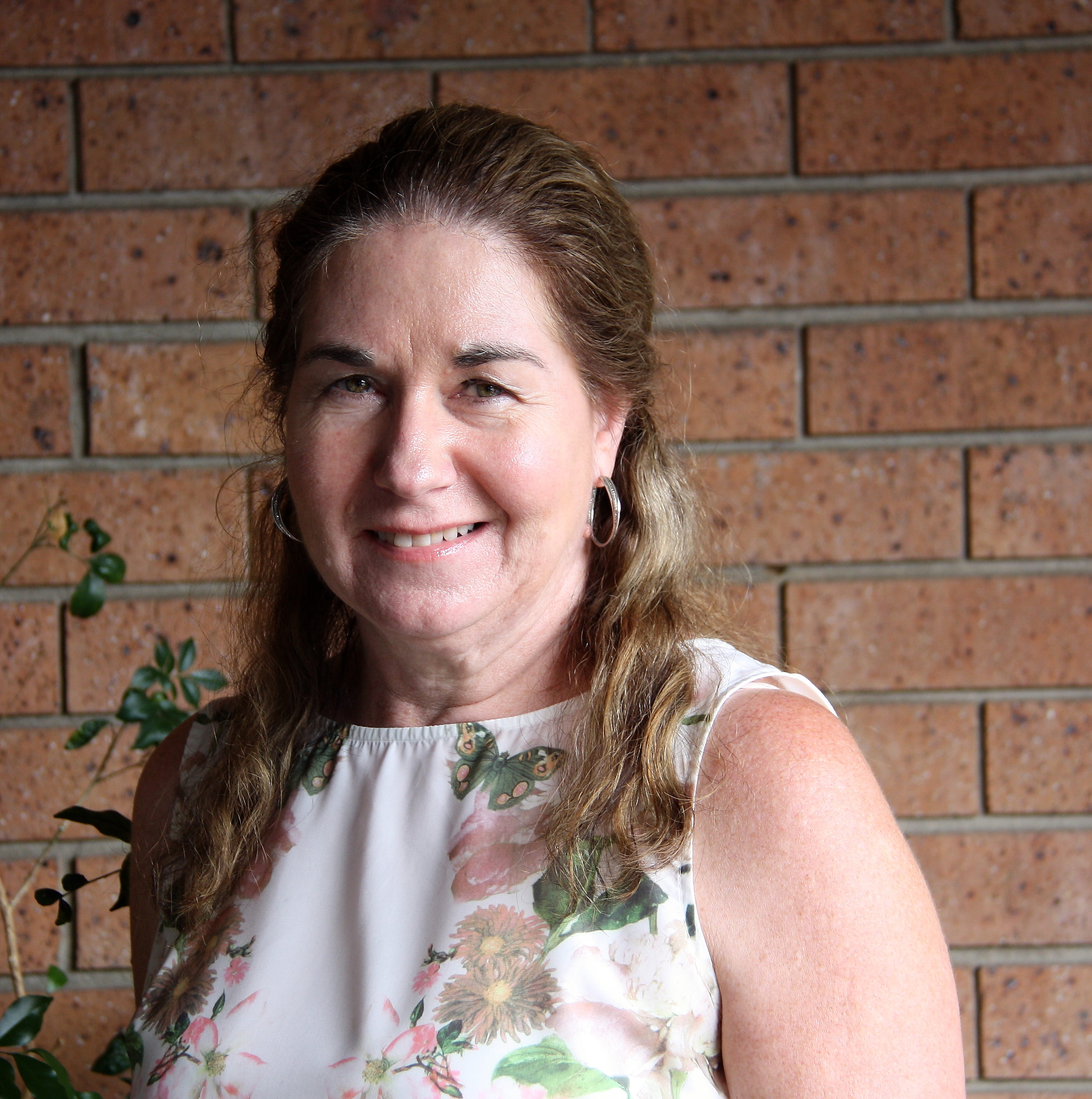 about us mje business services megan has been working in the accounting and finance industry since 1984 embracing commercial and public accounting taxation and audit experience